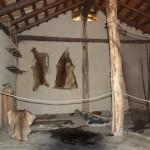 Innenleben einer Steinzeithütte Federseemuseum Bad Buchau