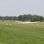 Flugzeug landet Flugplatz Reute Bad Waldsee