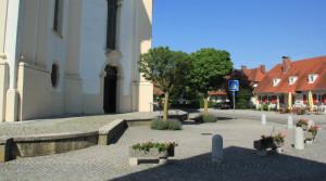 Vorhof Wallfahrtskirche Steinhausen