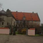 Eingang zum Schloss Warthausen