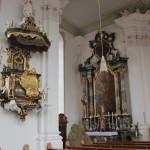 Kanzel und Seitenaltar Kirche Unteressendorf