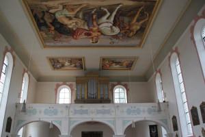 Orgel und Deckenmalerei Kirche Unteressendorf