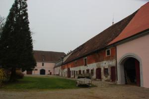 Schlosshof Warthausen Gebäude