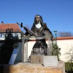 16 Nonnenfigur Schlosspark Altshausen