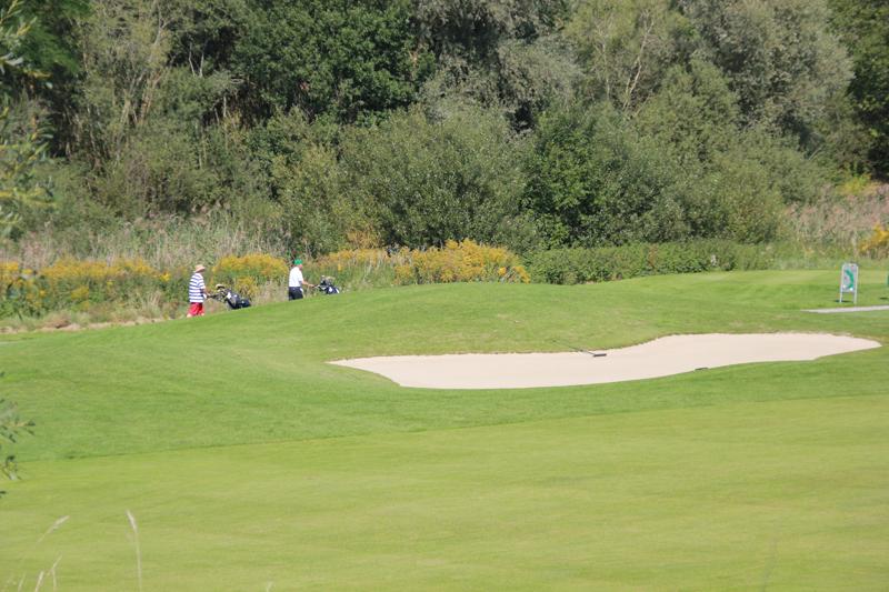 golfen in bad waldsee im f rstlichen golfclub oberschwaben oberschwabens sehensw rdigkeiten. Black Bedroom Furniture Sets. Home Design Ideas