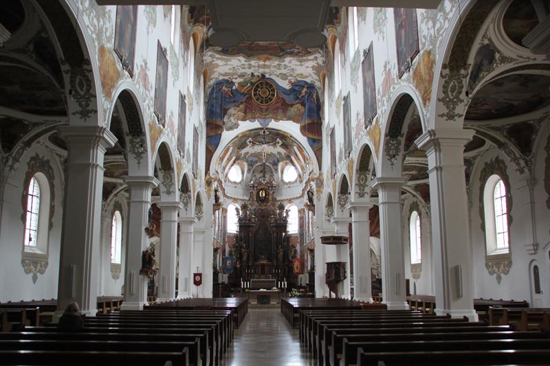 Blick auf Altar Kirche Biberach