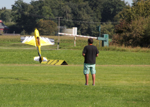 10 Modellflugzeug Kunstflug