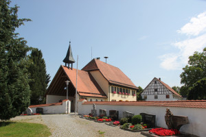 Friedhof-Eintürnen-Berg-Kirche