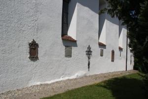 Seitenmauer Eintürnen Berg Kirche