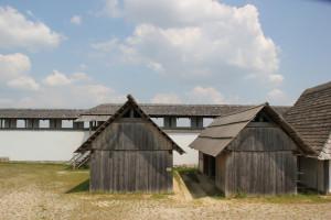 07-Nachbildung-keltische-Gebäude-Heuneburg