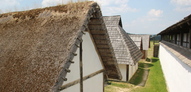 10-Häuser-Freiluftmuseum-Heuneburg
