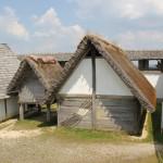 11-Nachbildungen-keltische-Gebäude