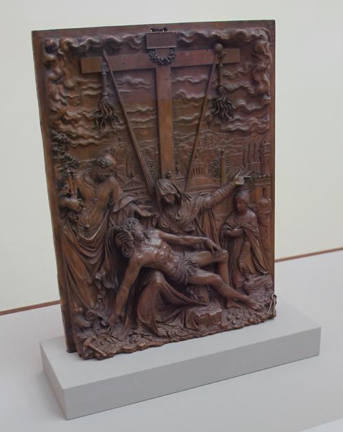 2 Leichnam Christi unter dem Kreuz von Engel gehalten