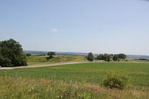 Blick auf Heuneburg von Grabhügel Station 8