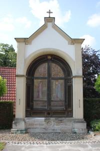 Altar vor der Kirche