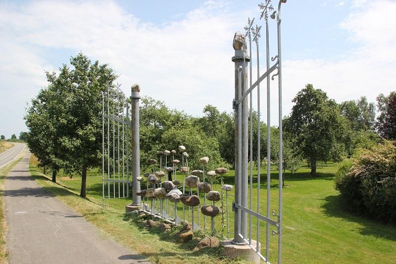 Kunstwerk Gletschertor Rickertsreute