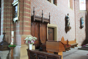 Apsis links Kirche Aßmannshardt