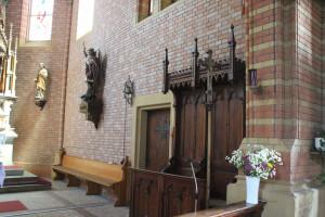 Figuren und Chorgestühl Kirche Aßmannshardt