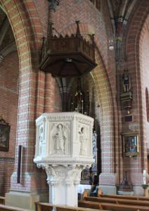 Sandsteinkanzel-Kirche-Aßmannshardt