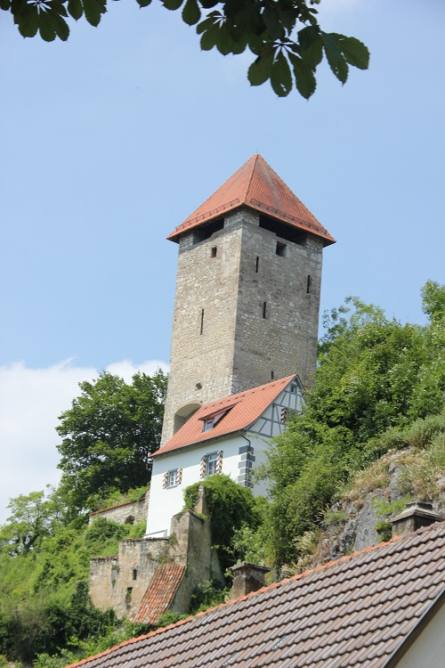 Burgfried Rechtenstein