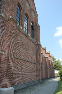 Seite Kirche Hundersingen