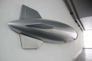 Miniatur Zeppelin hinten