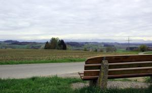 Sitzbank mit Alpensitz