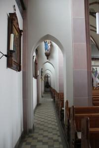 Seitengang Kirche Mochenwangen
