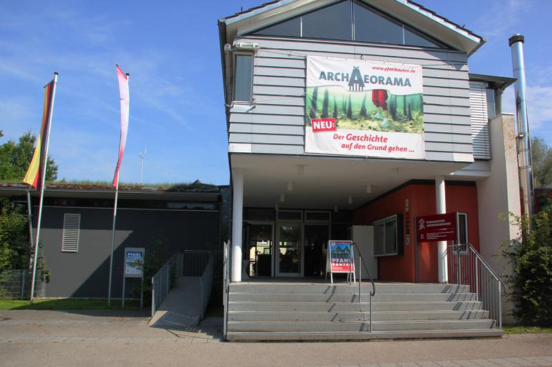 1 Pfahlbauten Museumseingang