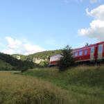 6 Eisenbahn entlang Radweg