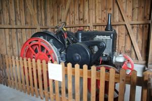 Haus 21 Traktorausstellung Bauernhausmuseum Kuernbach