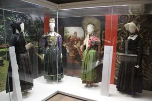 Trachtenausstellung Bauernhausmuseum Kuernbach
