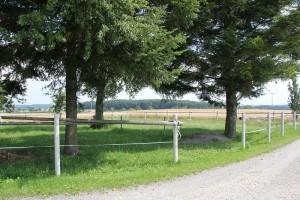 Weg entlang ehemalige Ritterburg Magenhaus