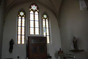 Neogotische Fenster Kirche Boms