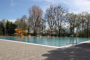 Wasserrutsche am Pool Strandbad Eriskirch