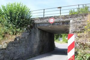Bahn Unterfuehrung Radweg