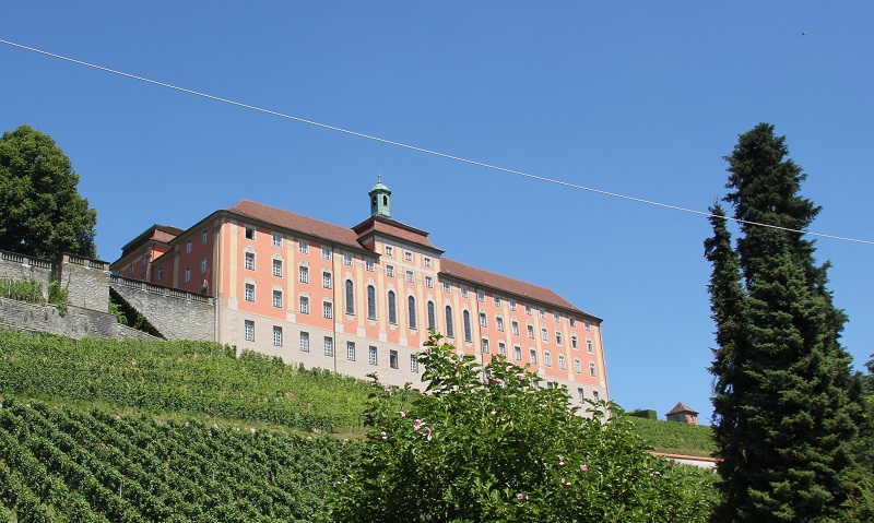 Neues Schloss Meersburg vom Bodensee aus