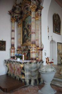 Seitenaltar Taufstein Michelwinnaden