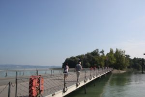 Bruecke zur Insel Mainau