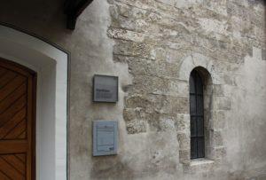 Steinhaus Ulm Romanischer Fensterbogen