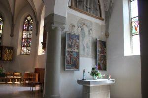 Rechter Seitenaltar Orgel Kirche St Georg Koenigeggwald