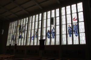 Buntes Kirchenfenster St Johannes Ailingen