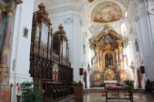 Chor und Hauptaltar St Verena Rot an der Rot