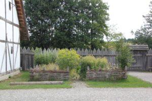 Kraeutergarten Bachritterburg Kanzach
