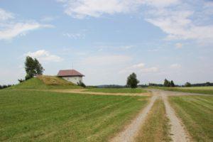 Feldweg über Bergplateau Wanderung Illmensee Wilhelmsdorf