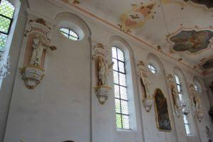 Figuren Fenster Kirche Laupheim