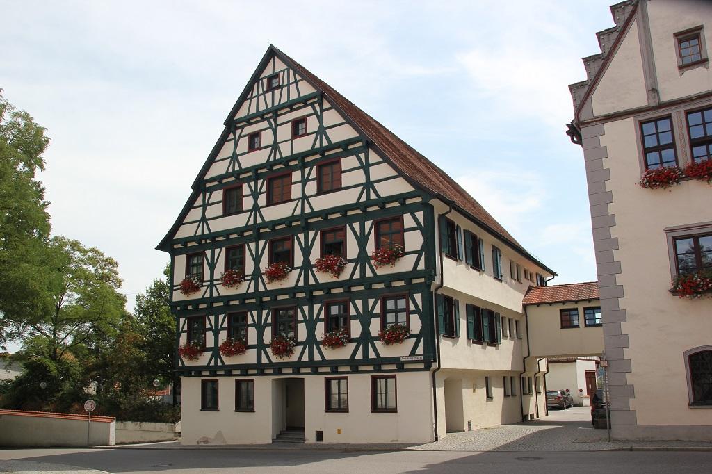 Ehemaliges Nonnenkloster zum heiligen Kreuz