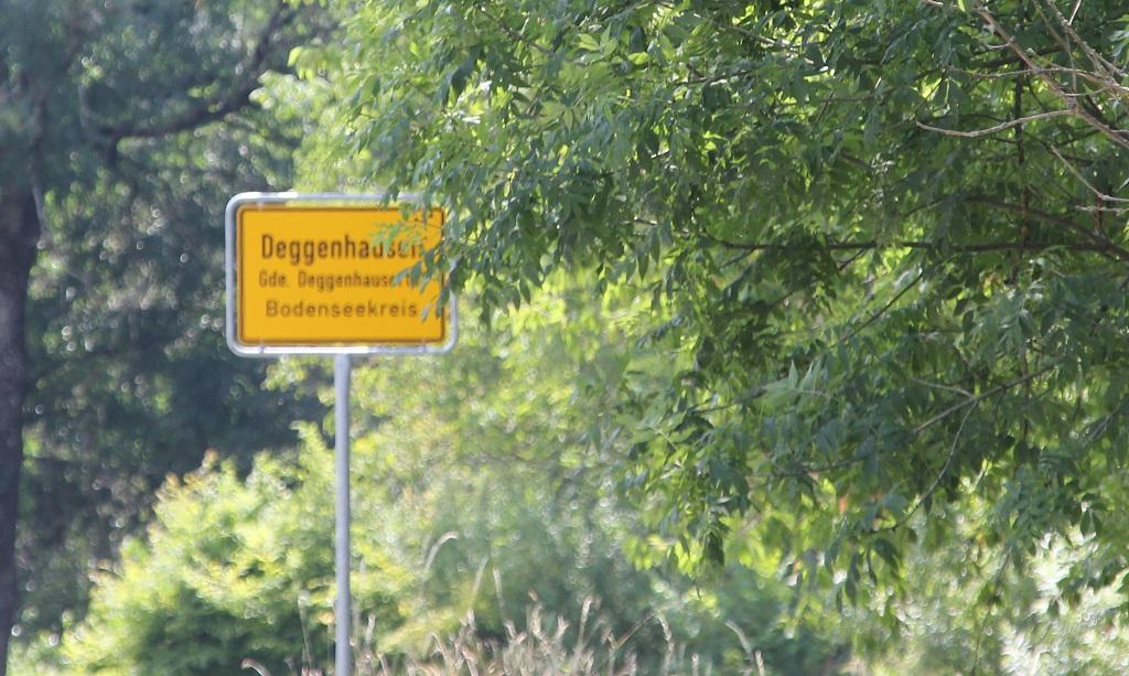 Ortsschild Deggenhausen