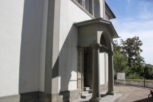 Eingang Kirche Gruenkraut