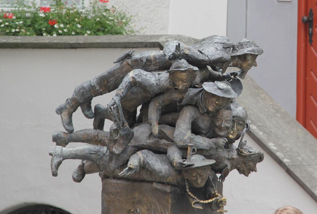 Figuren des Spuckbrunnens Wangen